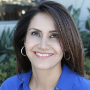 Dr. Fay mansouri endodontist portrait